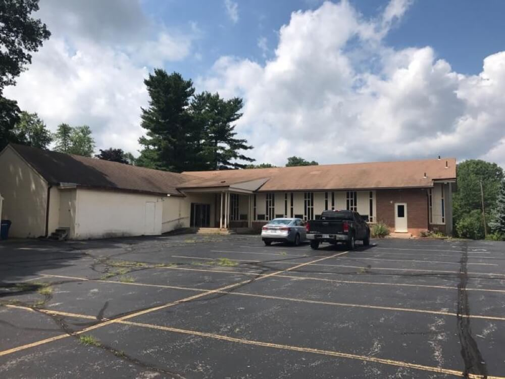 Former Elizabeth Lake Rd Church of Christ - 183 S. Winding Dr, Waterford, Michigan 48238 | Real Estate Professional Services